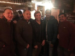 Scott Abernethy (centre) enjoyed a pub-crawl during his recent visit from the USA.